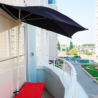 Зонт на балкон